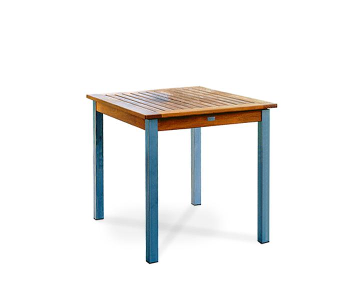 La Piazza table