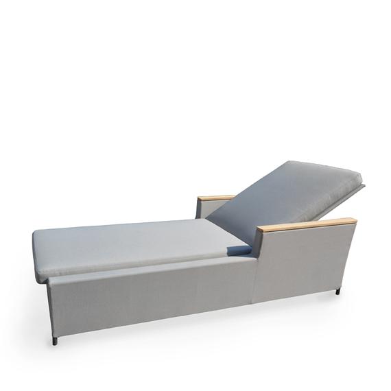 Rio sunbed, incl. cushion, frame: aluminium, powder coated anthracite, seating surface: sling greystone, armrest: teak