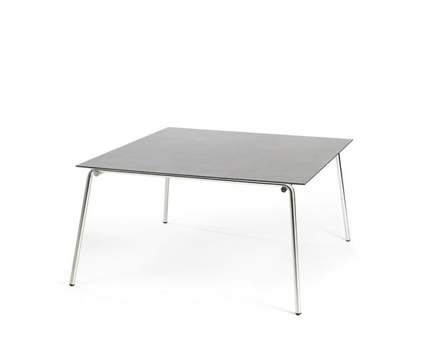 Taku Tisch 143,5x143,5cm, Gestell: Edelstahl, Tischplatte: fm-laminat spezial Titan