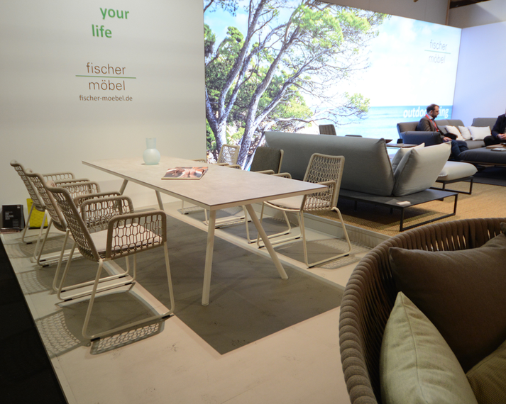 Wing light armchair, Teso table, Flora lounge