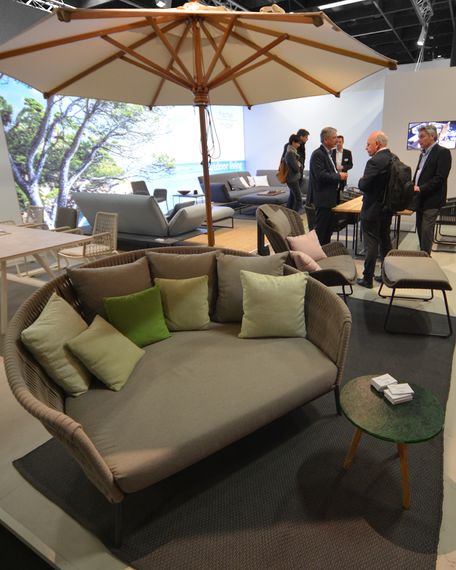 Wing daybed, relax armchair and footrest, Woodline parasol, Flora lounge